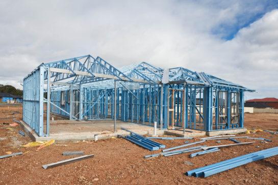 O que é Steel Frame? Vantagens e desvantagens para construção civil